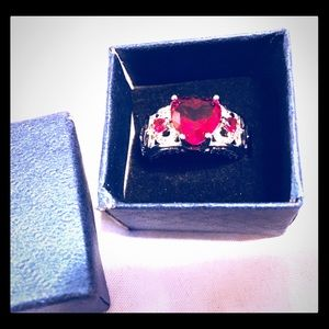 ❤️New Silver plated Ruby tone ladies Ring❤️